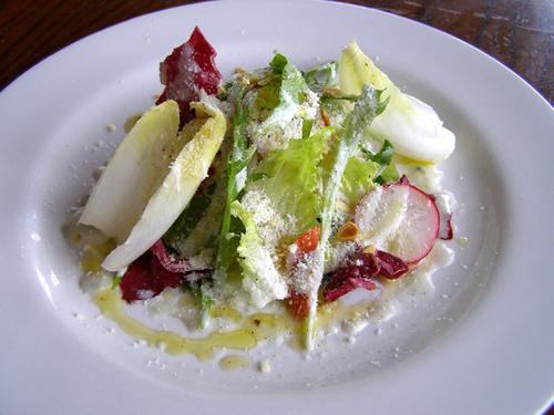 苦味野菜のサラダ
