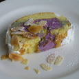 紫いものロールケーキ