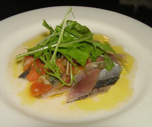 秋刀魚のマリネフレッシュトマトソース