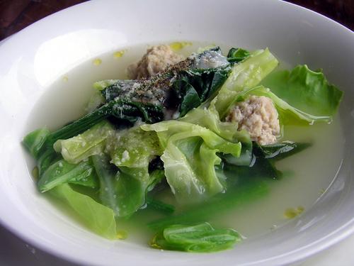 鶏ひき肉団子と野菜のスープ